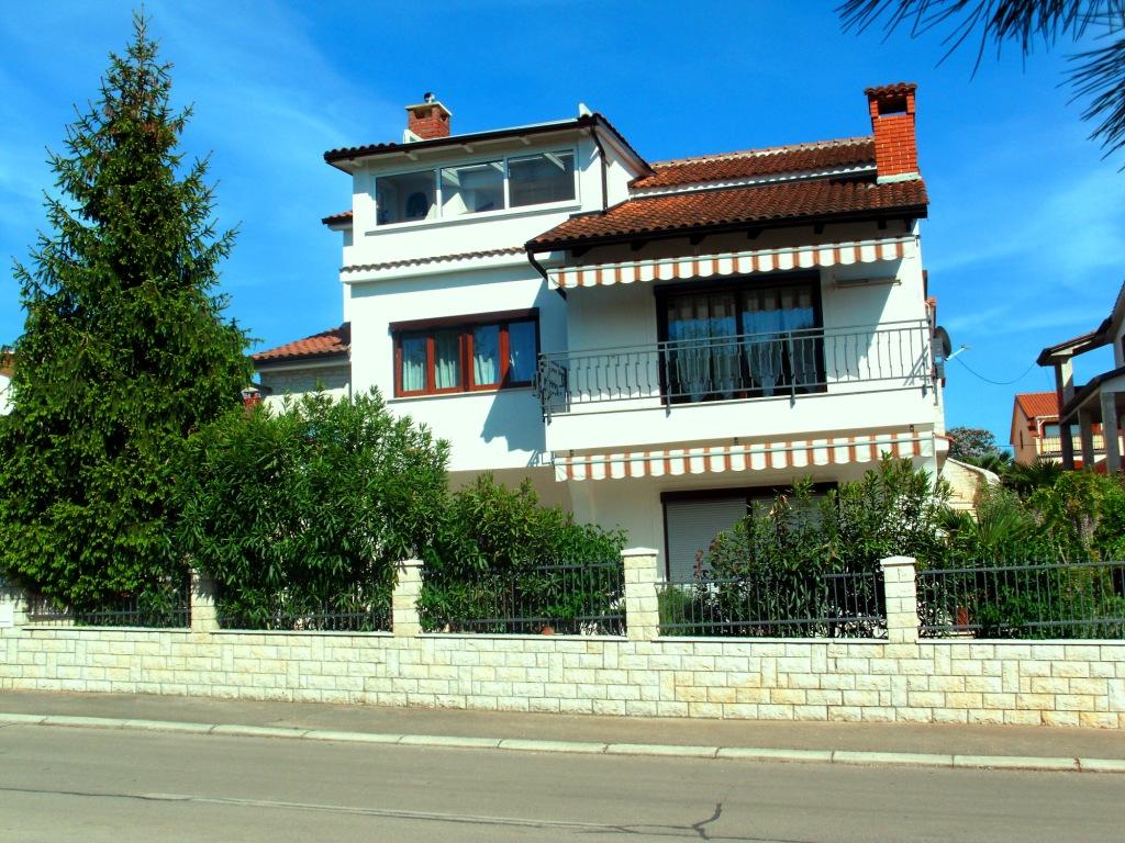 ferienwohnung porec vabriga tar istrien kroatien appartement appartement fewo. Black Bedroom Furniture Sets. Home Design Ideas